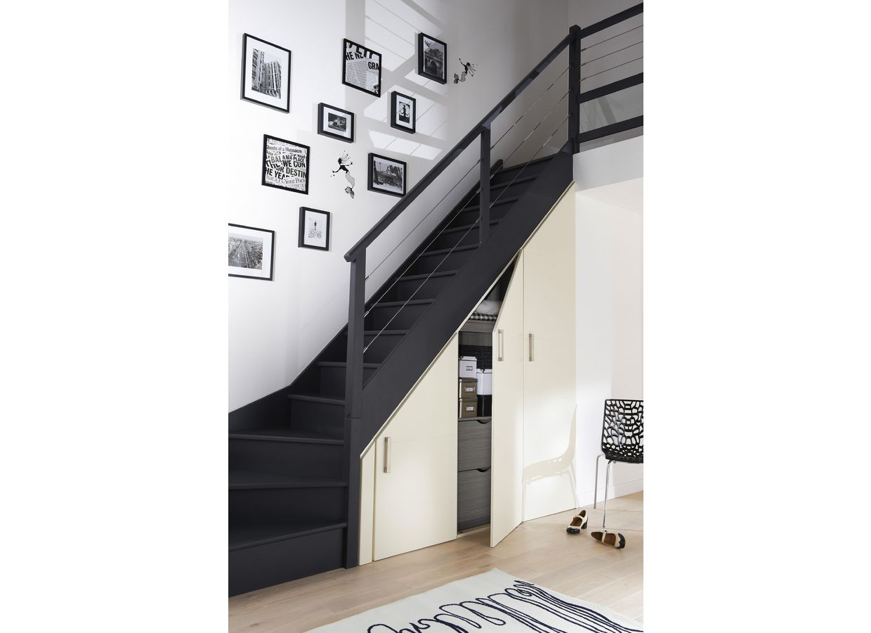 placard battant r ve sous escalier ou sous pente rangements. Black Bedroom Furniture Sets. Home Design Ideas