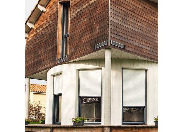 volet roulant solaire lapeyre great lapeyre fenetre pvc renovation id es de for prix fenetre. Black Bedroom Furniture Sets. Home Design Ideas