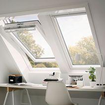 fen tre de toit et lucarnes de toit fen tres lapeyre. Black Bedroom Furniture Sets. Home Design Ideas