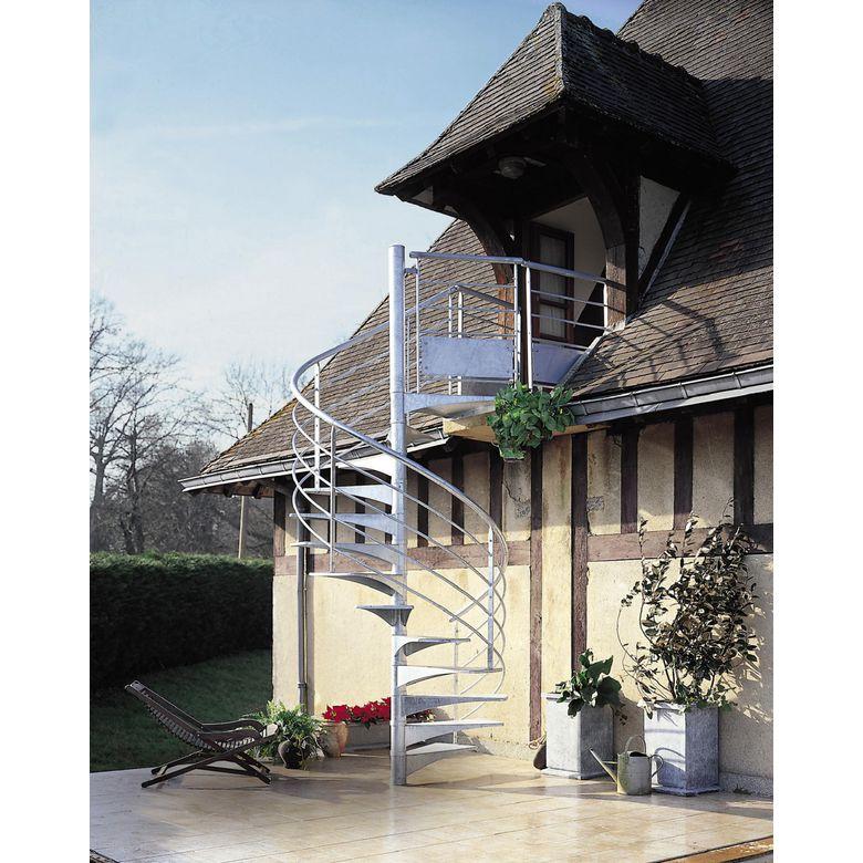 Les escaliers extérieurs