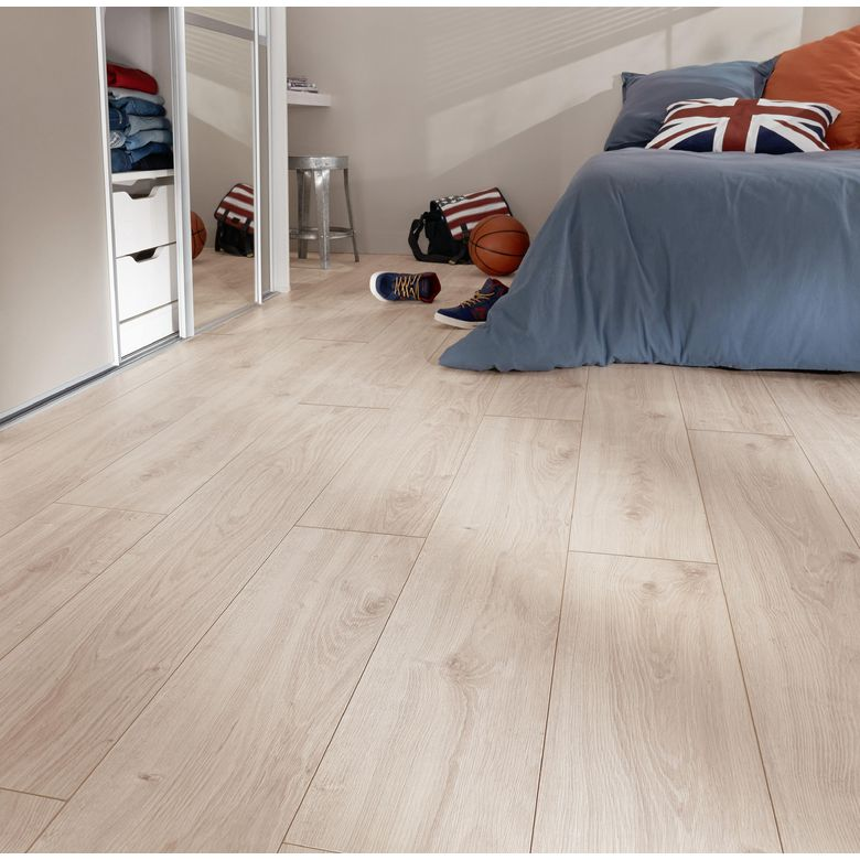 Sol stratifi imitation parquet gallery of au sol - Sol stratifie chambre ...