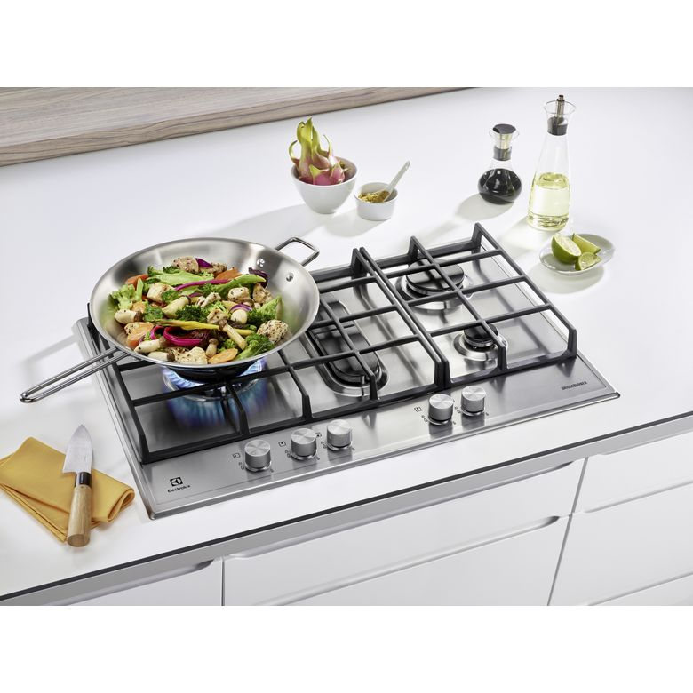 Table de cuisson gaz electrolux en inox cuisine for Table inox cuisine