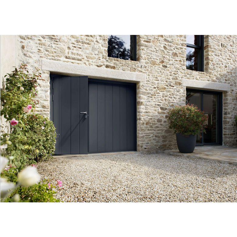 Porte de garage noviso basculante isolante manuelle avec for Prix porte de garage isolante
