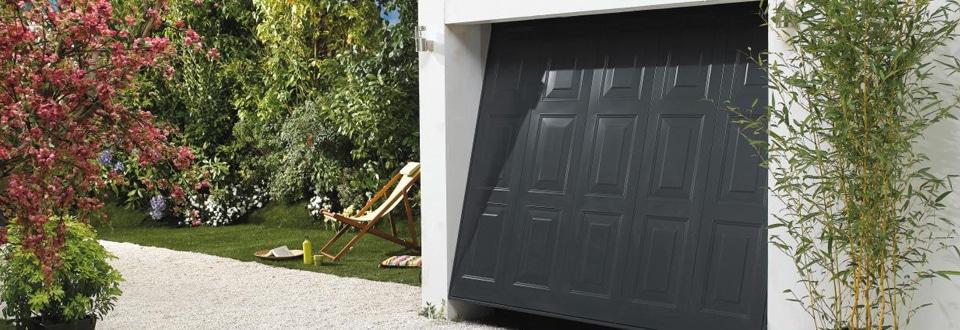 Une Porte De Garage Standard Ou Sur Mesure - Porte de garage sectionnelle avec lapeyre porte fenetre pvc