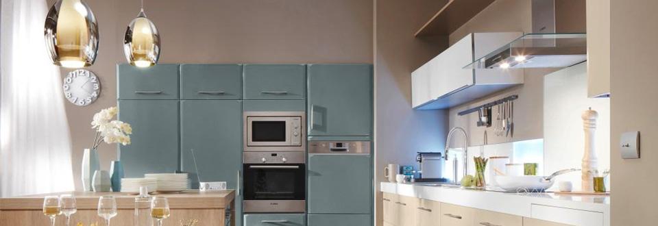 la cr dence clairante en verre. Black Bedroom Furniture Sets. Home Design Ideas