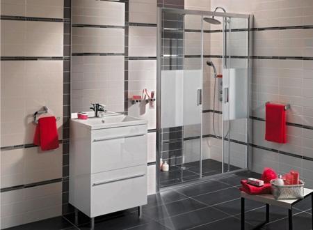 Les meubles gain de place dans la salle de bains