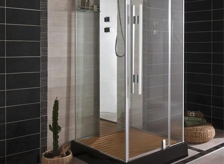 cabine de douche sur un seul mur