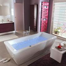 Baignoire d 39 angle en toplax family salle de bains for Lapeyre baignoire douche
