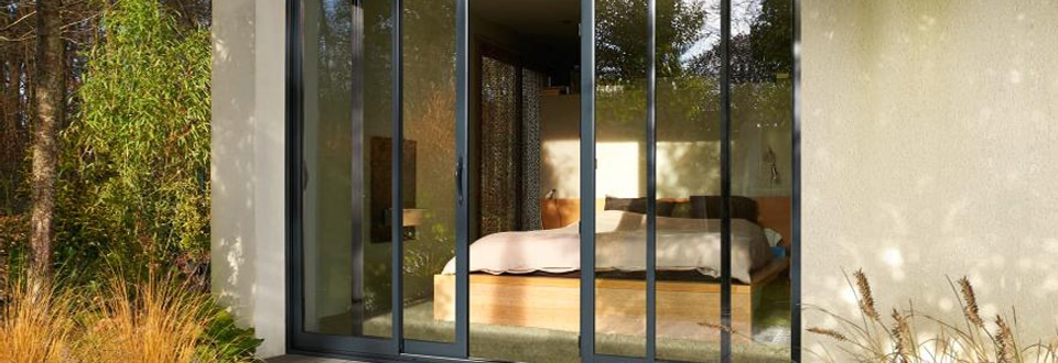 tableau comparatif fen tre lapeyre sur mesure ou fen tre standard. Black Bedroom Furniture Sets. Home Design Ideas