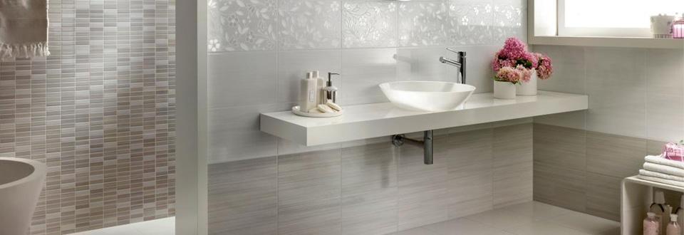 les carrelages de salle de bain. Black Bedroom Furniture Sets. Home Design Ideas