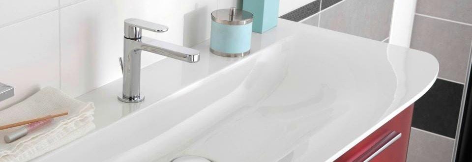 Poser des meubles de salle de bain for Poser une vasque salle de bain